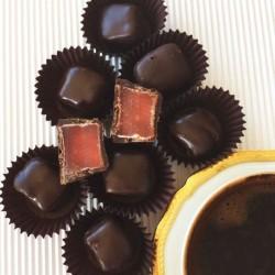 Çikolatalı Güllü Lokum